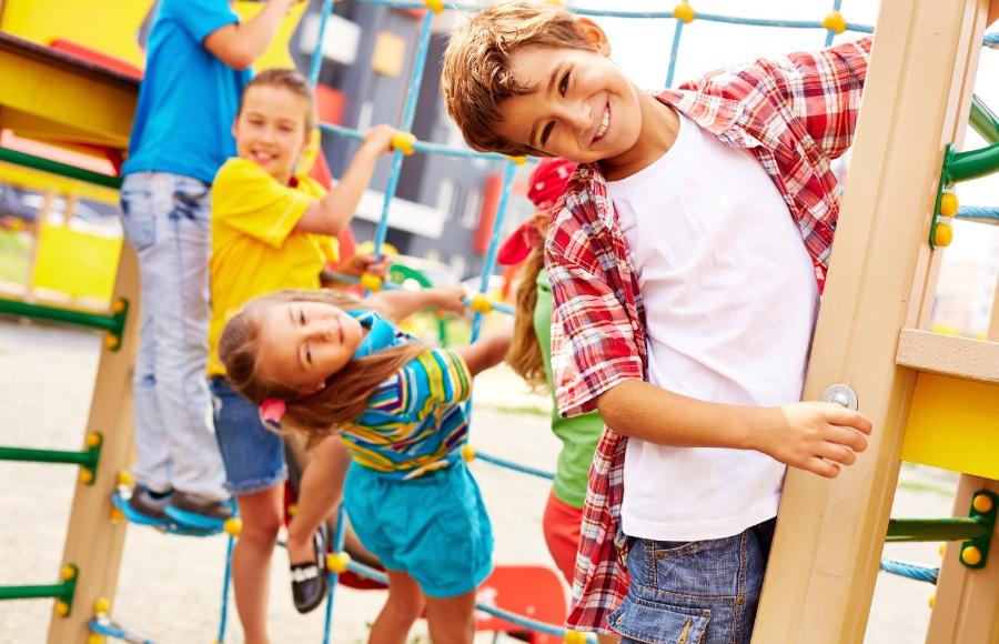 Razigrano otroštvo in varna prihodnost najmlajših